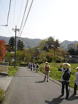 横瀬の駅を颯爽と出発です。
