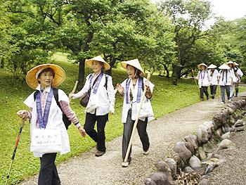 梅園を抜け江戸古道へ
